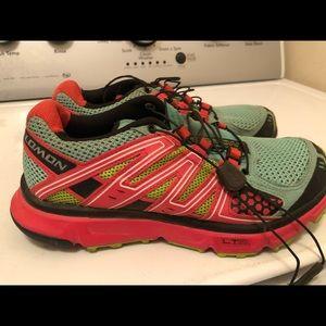 Salomon XR Mission LT hiking shoes